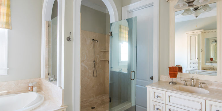 i-master-bathroom-3-low-res