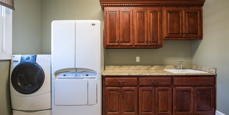 main-floor-laundry-room-low-res