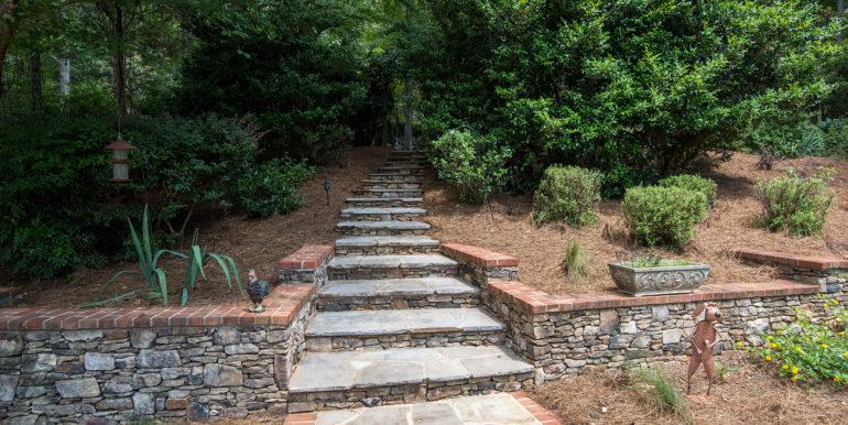 steps-to-rose-garden
