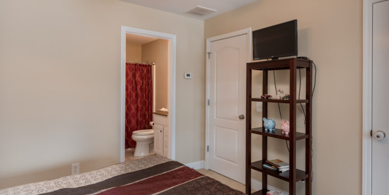 upstairs-room-2