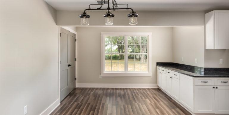 kitchen-table-area